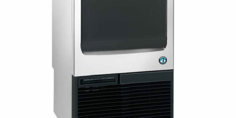 Máquina de Gelo KM-75A (1)
